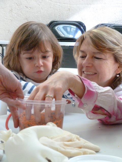 Atelier d'éveil sensoriel parent enfant avec KID & Sens à la bibliothèque Méjanes d'Aix en Provence
